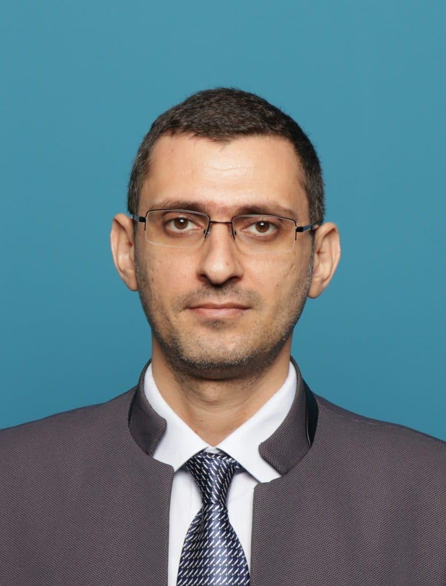 Dr Maan Hayyan